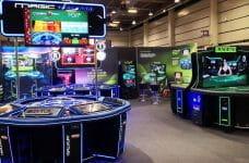 Mesa de blackjack y ruleta desarrollada por la compañía MGA Industrial en la Expojoc de Valencia.