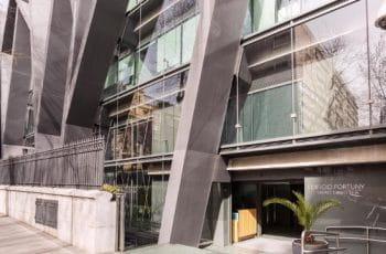 Vista exterior del Auditorio Rafael del Pino en Madrid.