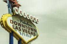 Cartel dando la bienvenida a Las Vegas.