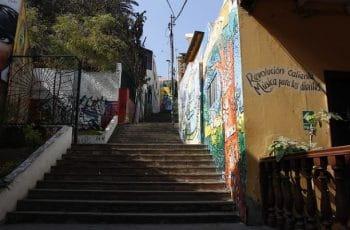Escaleras en Lima, Perú.
