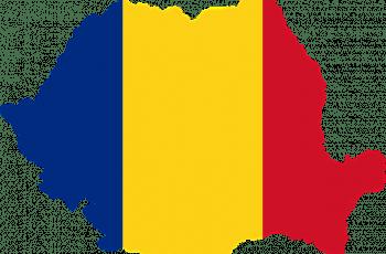 Bandera rumana con la forma del país.